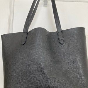 Black Cuyana leather tote